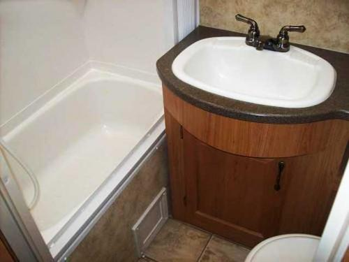 travel trailer bathroom